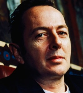 joe-strummer-the-clash-immagine-pubblica