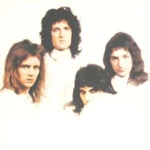 queen-queen-ii-copertina-interna-immagine-pubblica